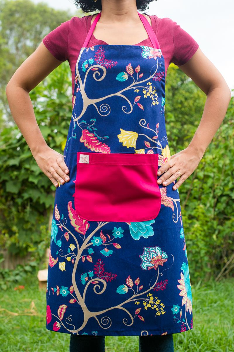 Avental de Corpo Azul Florido
