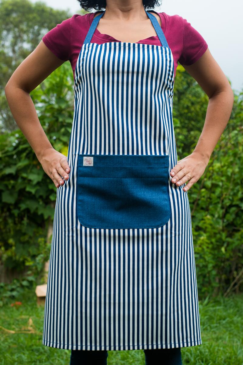 Avental de Corpo Listrado Bolso Azul